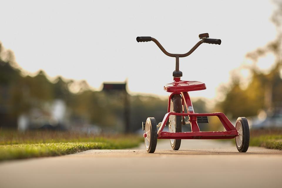 Comment choisir un tricycle bébé évolutif?